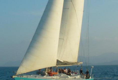CroppedImage470320-4fa9dfdec1550_1170_hammer-sailing-2011small